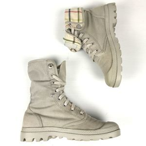 🍎 Palladium Baggy Gray Canvas Plaid Boots 8